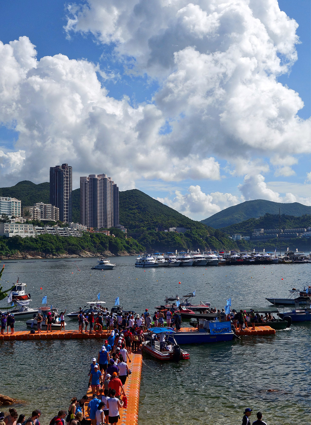 stanley-dragon-boat-carnival-hong-kong-starting-with-a-15